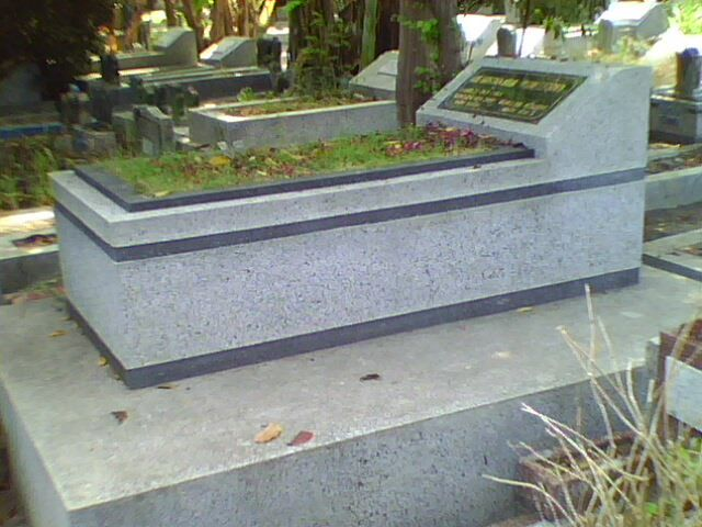 kijingan granit beling standart makam umum kontak kami :  03183315430  081357603030  081515441030