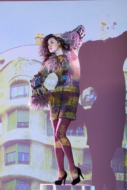 """Купить Платье-пальто """"Дома Гауди"""" - бежевый, рисунок, Анна Лесникова, трикотаж от кутюр"""