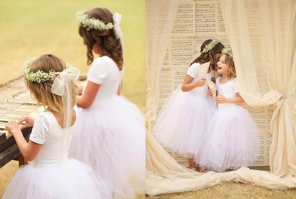 Daminhas e ballet parecem uma combinação perfeita, não? E os cones para as pétalas feitos com partituras ficaram um charme! Fotos: Sara Donaldson