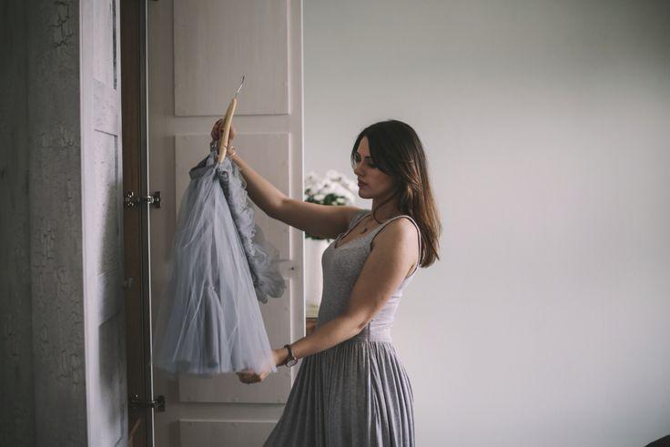 Sypialnia z dużą szafą. Mieszkanie w kamienicy. #bedroom #wardrobe #interiors #women #beautyfull #shabbychic #oldhause #projektowaniewnętrz