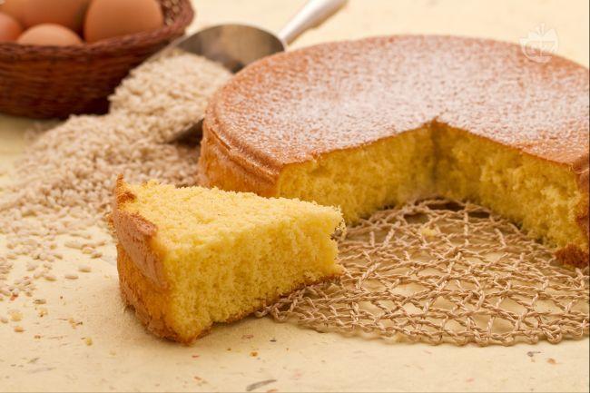 Sponge cake with rice flour, GF (translate from Italian). Il Pan di Spagna con farina di riso è una variante di questa diffusa torta base, preparata utilizzando interamente farina di riso, quindi gluten-free!
