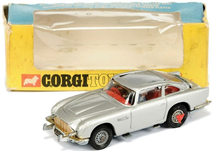 Corgi toys 270 James Bond DB5 in scarce Slim line Window Box