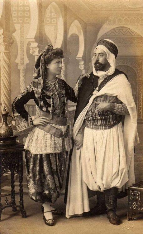 Couple Algerien Année 1900…Algerian couple 1900
