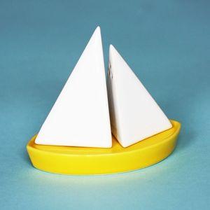 Salt & Pepper SailboatSalts Peppers Shakers, Sailboats Salts, Salt Pepper Shakers, Sail Boats, Sea Salts, Shakes It Up, Peppers Sailboats, Design, Sailing Boats