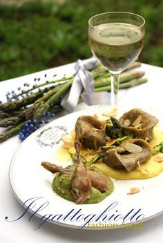 Cappellacci di grano saraceno alle quaglie su zabaione salato con crema di asparagi al coriandolo