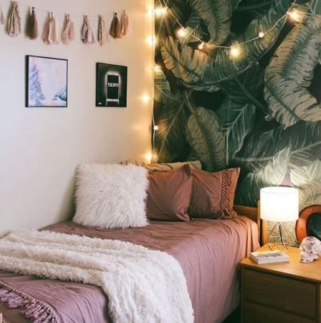 This is one of the cutest dorm room ideas for girls!