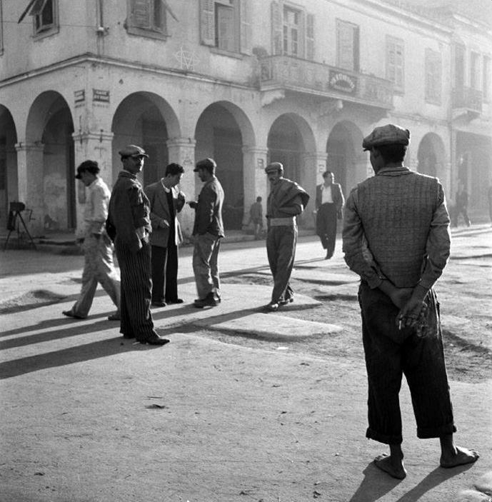 Werner Bischof, 1946, πρωινό στην Πάτρα.