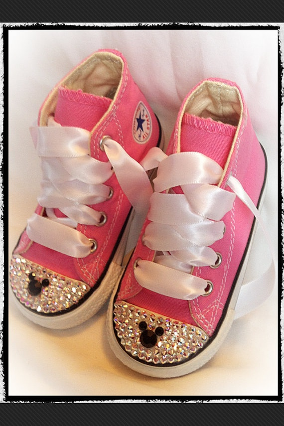 I was thinking of making something like this for Princess G's first trip to Disney.