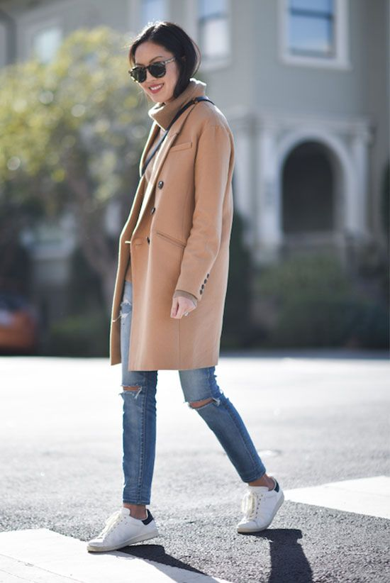 fall / winter - street style - street chic style - casual outfits - winter outfits - comfy outfits - easy outfits - camel coat + camel turtleneck sweater + skinny jeans + white sneakers + brown sunglasses