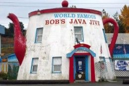 Bob's Java Jive : Washington is home to the world's biggest coffee pot! No longer functioning as a coffee pot, but as a club these days. #scenicwa