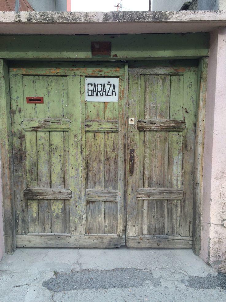 Mostar, garage