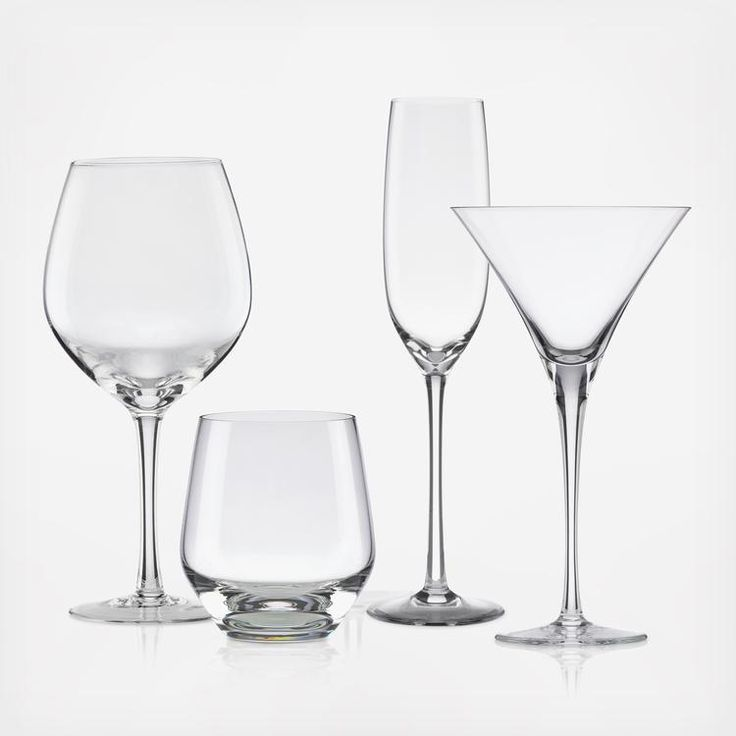 Lenox's elegant Tuscany Classics Collection is inspired by the world-renowned vineyards of Italy's Tuscany region. Designed to enhance your experience of fine wines and spirits, each glass is beautifully crafted in fine Lenox crystal.