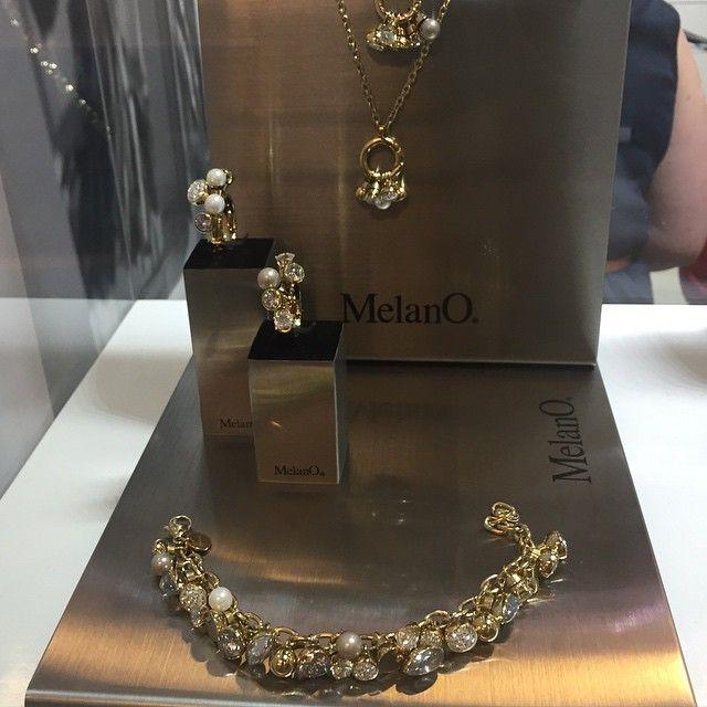 Ontwerp zelf jouw juweel met de stenen, ringen, armbanden, halskettingen van Melano #phijuwelen #melano #melanojewelry #goudenjuwelen #kleurrijkeringen #instatrend #instafashion #instajewelry #coloryourlife