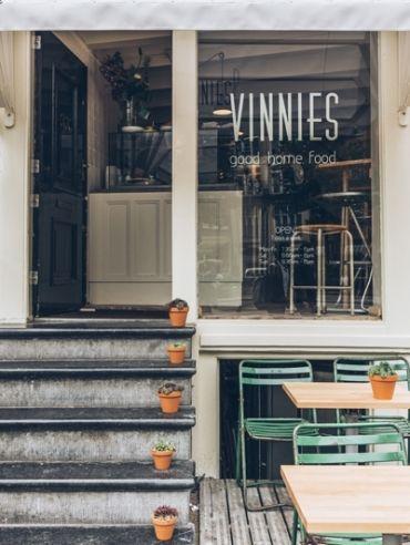 VINNIES DELI 2 deli/coffee bar, with terrace > Vinnies Deli, Nieuwezijds Kolk 33, Amsterdam