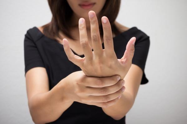 Síntomas del mal de Parkinson en jóvenes
