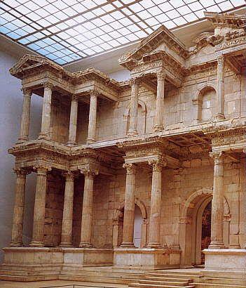 1830年の旧ベルリン博物館にさかのぼり現在のベルが門博物館が開館した。ベルリン 旅行・観光おすすめスポット!
