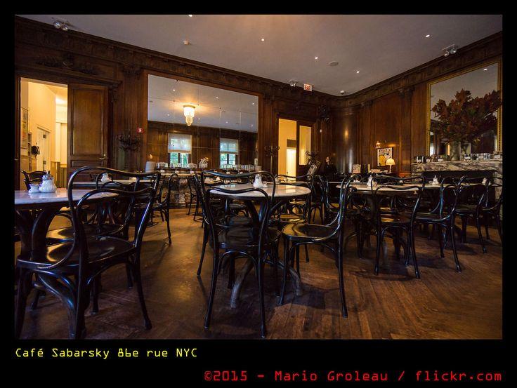 https://flic.kr/p/zUinSy   Café Sabarsky 86e rue NYC   Vous connaissez les romans Muchachas de Catherine Pencol? Oui alors voici le fameux café newyorkais des romans!
