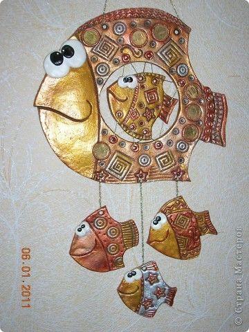 Поделка изделие Лепка Денежная Рыбка-мама Тесто соленое фото 1