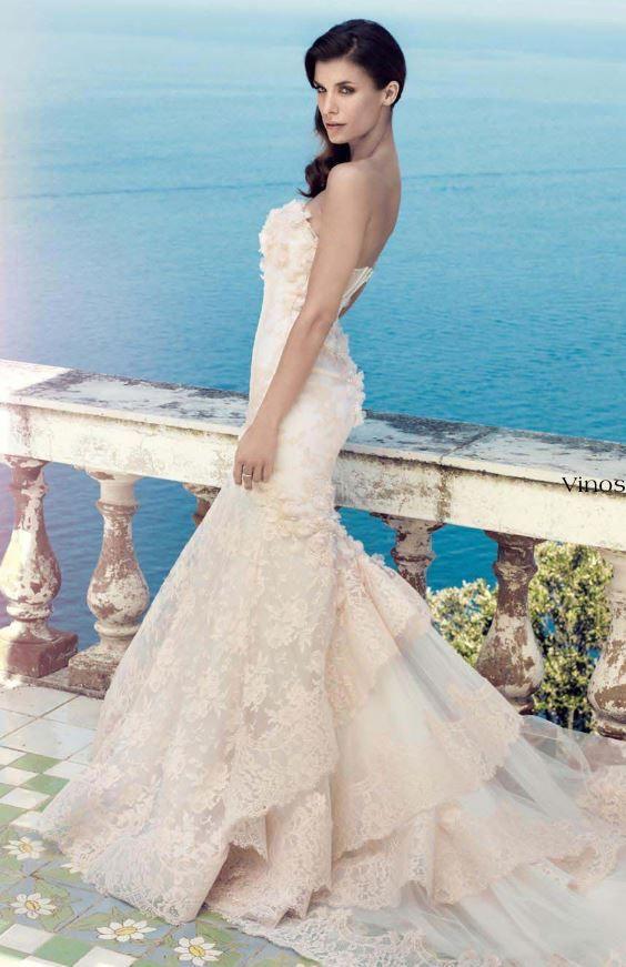 Abito da sposa in pizzo rosa cipria collezione Alessandro Angelozzi 2014