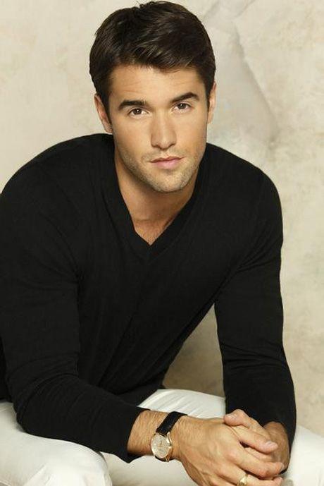 Josh Bowman Stars as Daniel Grayson in Revenge Season 3