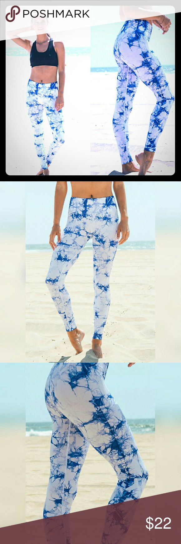 Blue tie dye legging White leggings with blue tie dye pattern.  Legging/ yoga pant/ workout pants  Perfect for yoga or the gym or would also look cute with a long tunic .   Size: Small: 0-2  Medium: 3-5 Pants Leggings