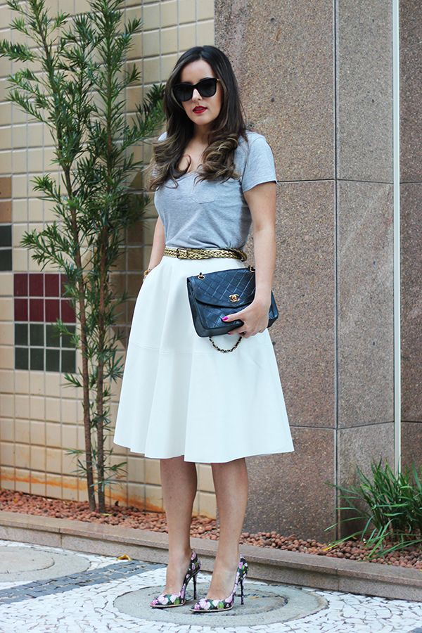 Sim, Senhorita | look do dia | Riachuelo blouse, Zara Skirt, Chanel Bag, Schutz Heels, Giorgio Armani Sunglasses | T.Arrigoni Bracelet | Vintage Belt