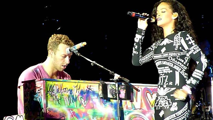 Rihanna ft Coldplay Live acoustic Umbrella @ Paris Stade de France