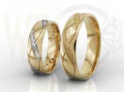 Obrączki ślubne z żółtego złota, damska z diamentami / Wedding rings made from yellow gold. Woman's ring also made with diamonds / 3 391 PLN / #jewellery #weddingrings #gold #diamonds #wedding #rings