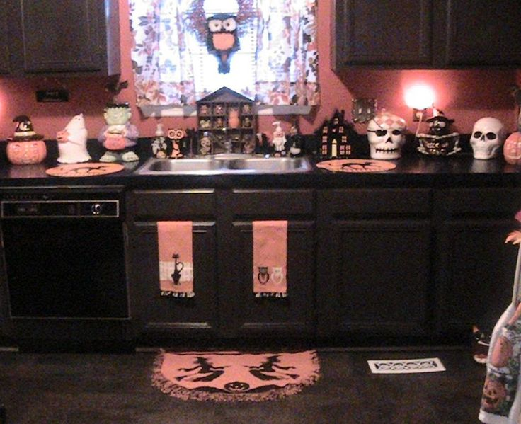best 25 halloween kitchen decor ideas on pinterest - Halloween Kitchen Decor