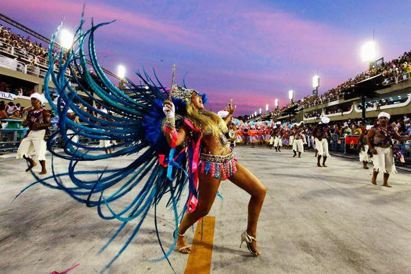 https://travelezeuk.wordpress.com/2016/02/10/inexplicable-obsession-of-rio-carnival-2016/