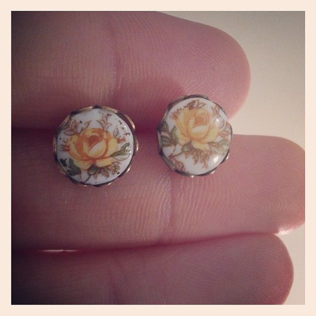 Dainty yellow rose earrings - Vintage Japanese Pressed Glass Cabachons