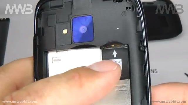 Come si apre un Nokia Lumia 610 senza romperlo per sostituire il display e la scocca di plastica danneggiata?    In questa videoguida vedremo come smontare un Nokia Lumia 610 per andare a sostiruire il display e la cover protettiva, magari danneggiati per una caduta.    Per avere un'idea di spesa per i 2 pezzi di ricambio possiamo dirvi di averli trovati in rete al prezzo di:22€ il display touch e 15€ la Cover.