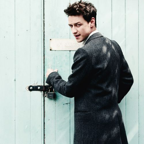 James McAvoy from X-Men: First Class and X-Men: Days of future past <3 sexy Chales Xavier.