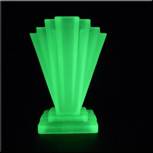 bagley 1930 39 s art deco uranium glass grantham vase 55. Black Bedroom Furniture Sets. Home Design Ideas