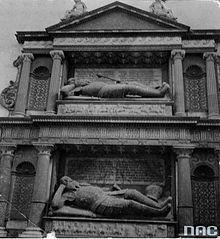 Sieniawski grave - Berezhany castle - Mikołaj Sieniawski (hetman wielki koronny) – Wikipedia, wolna encyklopedia