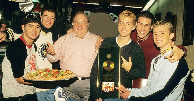 Lou Pearlman, Backstreet Boys and 'N Sync Svengali, Dead at 62 #headphones #music #headphones