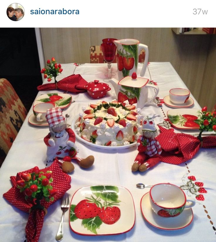 Mesa café morango patchwork decoração receber