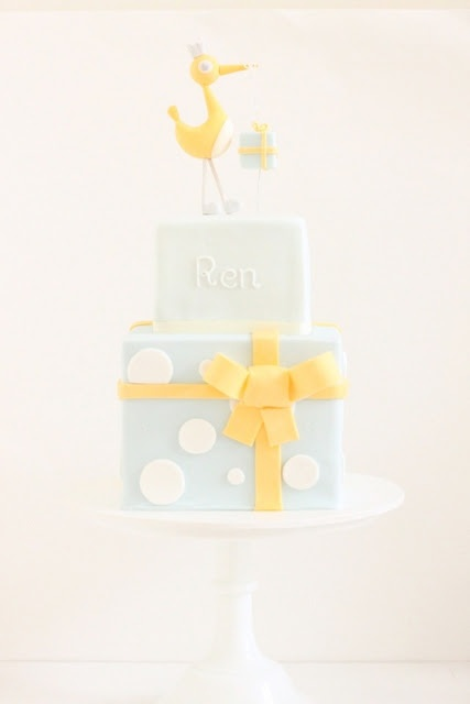 By Naomi from Hello Naomi, baker, cake decorator and party stylist. Click image to see full post!