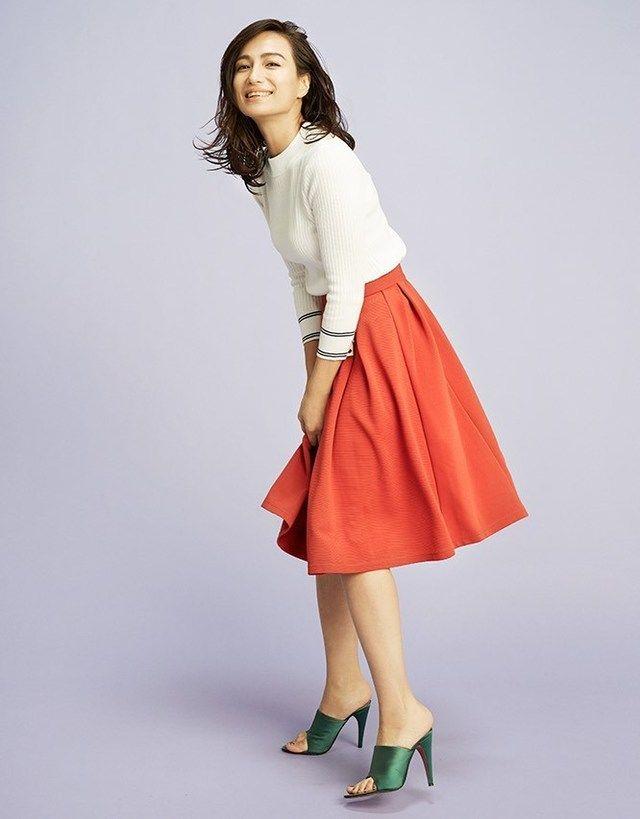 色使いで若々しく!上品なタイプのミセス系コーデ。スタイル・ファッションの参考に♪