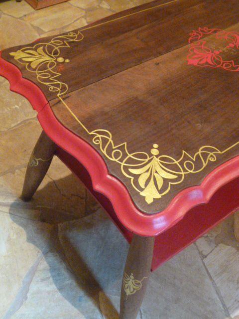 restauração de mesa antiga; desenho à mão livre
