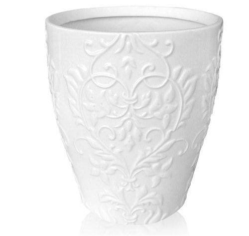 15 Graceful And Elegant White Bathroom Trash Can Ideas