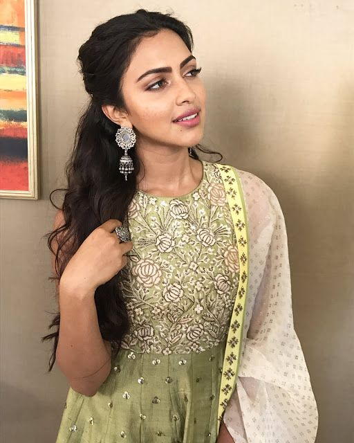 Actress Amala Paul New Photos, Images, Hot Stills 2017 [Updated] | c65.in