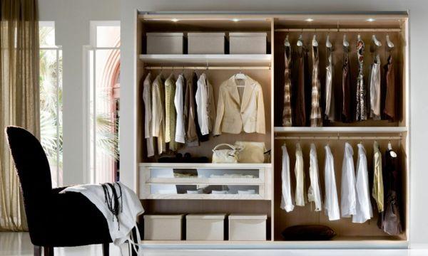 Offene Kleiderschranksysteme für mehr Anschaulichkeit