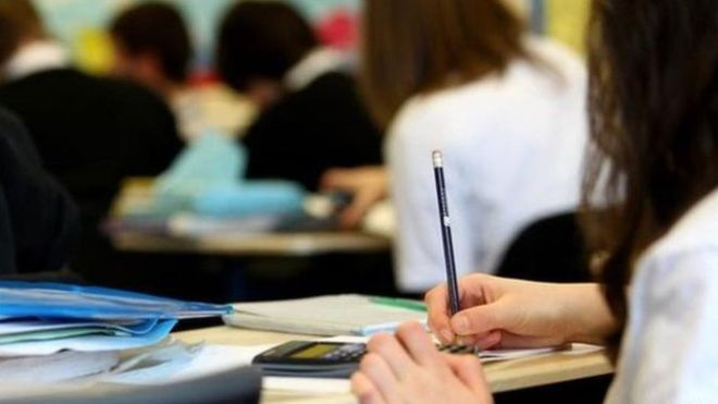 There were nearly 730 teacher vacancies in Scotland's schools as pupils returned after their summer break, figures have shown.  A freedom of information request by the Liberal Democrats showed 388 primary teacher vacancies and 341 for secondary schools as of 9 August.