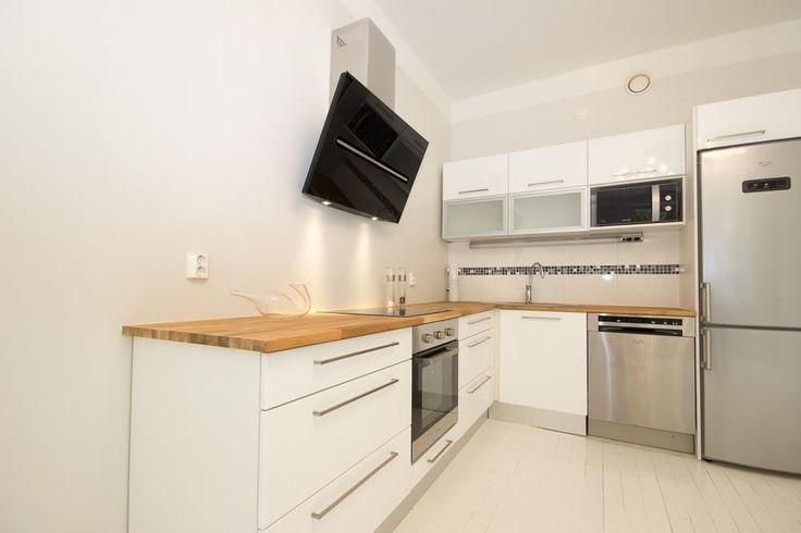 keittiö ja lattia