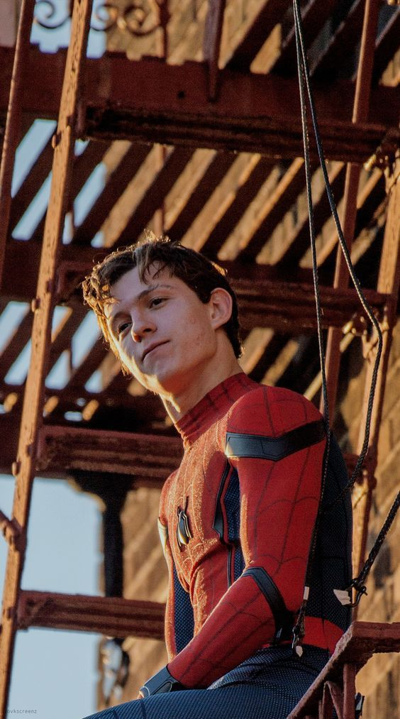 Spider man-tom holland  #spiderman #tomholland #marvel #avengers