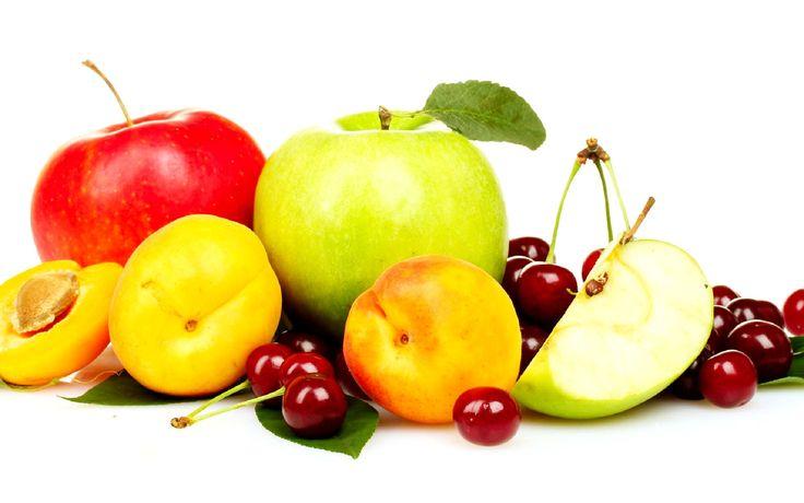 Ma è vero che la frutta va consumata a fine pasto perché aiuta la digestione?