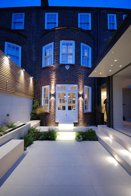 Courtyard in Chelsea 16 copyright Charlotte rowe Garden Design Light_5588600900_m