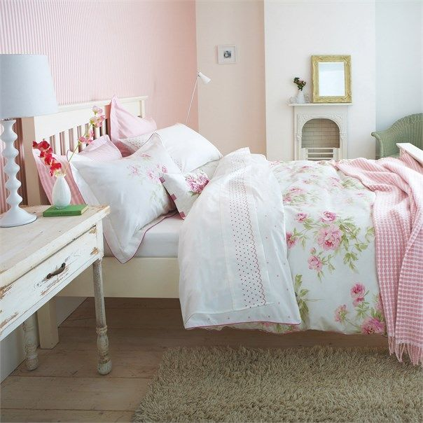 Sanderson - Traditional to contemporary, high quality designer fabrics and wallpapers | Home Accessories - Sanderson has a wide range of rugs, towels, bedlinen and home fragrances | British/UK Fabric and Wallpapers | Adele Raspberry Bedlinen