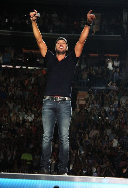 Luke Bryan - Kick The Dust Up Tour 2015 at The Pavilion at Montage Mountain on Thu Jul 30, 2015 7:00 PM EDT — Live Nation